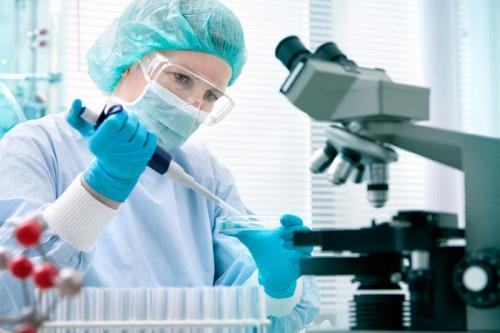 دانلود پاورپوینت رابطه تکنولوژی و پزشکی